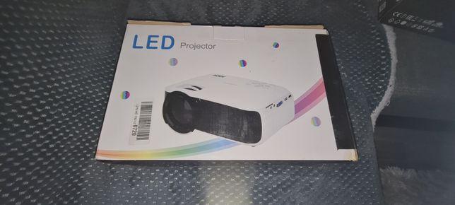 Vând video proiector