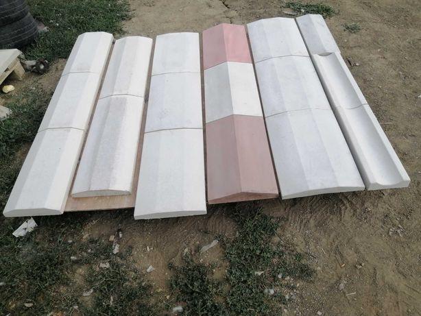 Capace pentru garduri și elemente decorative din beton.