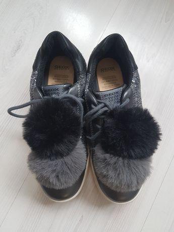 Pantofi Geox nr.34 (22 cm interior)