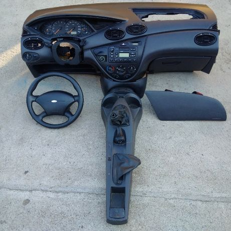 Piese ford focus cupe din 2001
