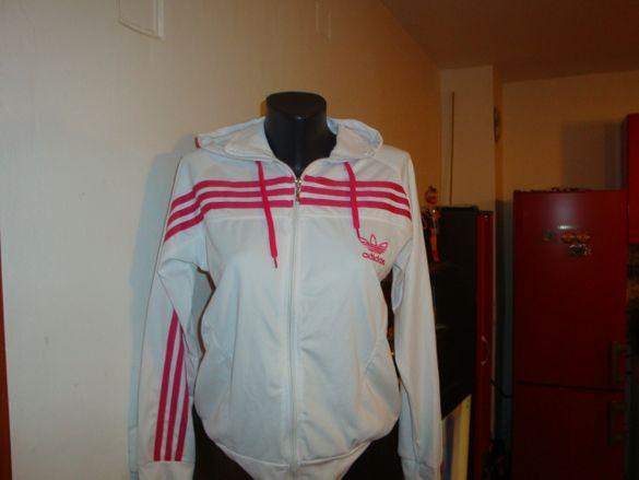 Бяла горница на Adidas