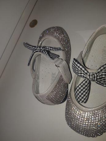 Туфли нарядные 22 размер