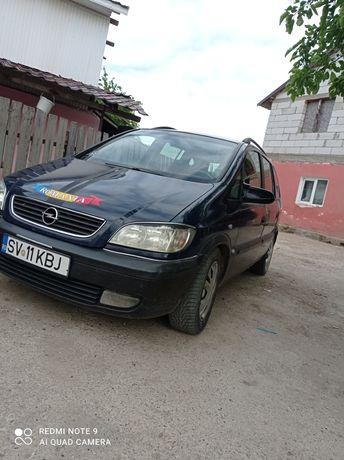 Vând Opel Zafira