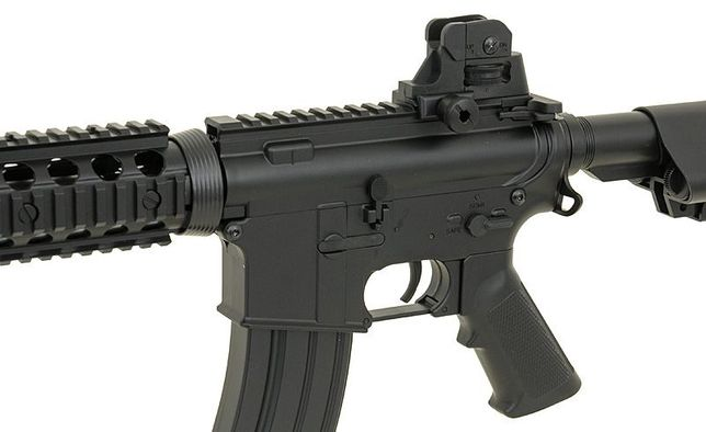Replica M4 A1 RIS CQB Cyma (CM.506) pusca mitraliera