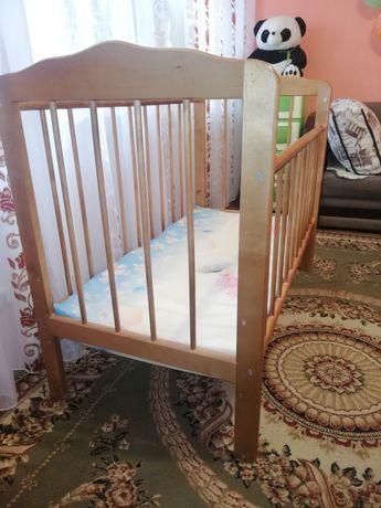 Продам детскую кроватку не дорого!