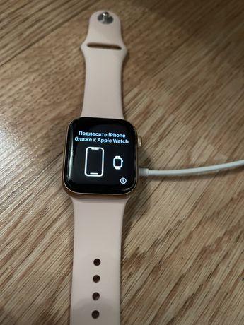 Продам Apple Watch 6 40mm Gold