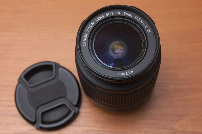 Obiectiv Canon EF-S 18-55 mm , f.3.5-5.6