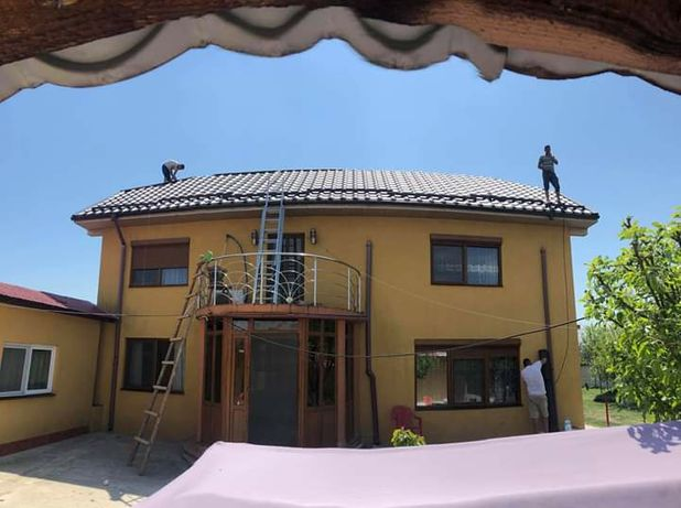 Firma de constructi executam acoperisuri