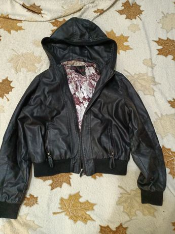 Продам кожаную куртку срочно