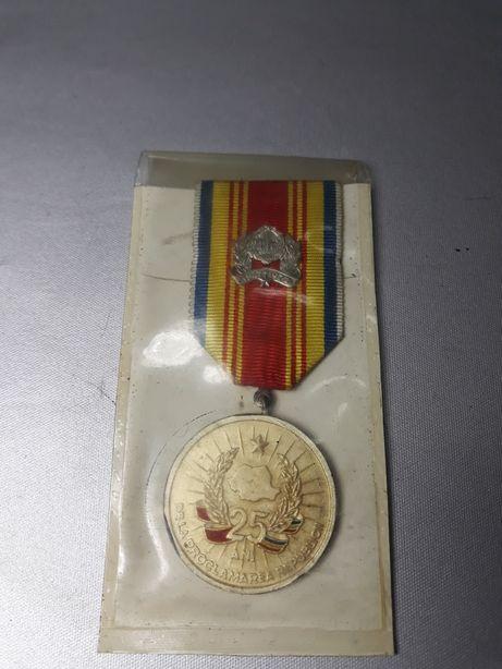 Insignă comunistă din 1947original de colecție machetă