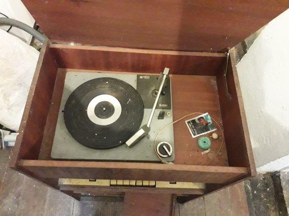 Старо радио грамофон антика