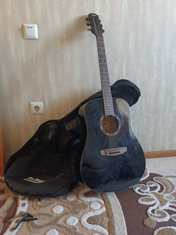 Акустическая гитара, +чехол, +каподастр, +медиатор