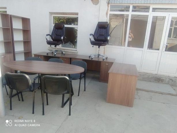 Продаётся офисная мебель