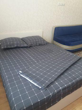 Посуточно 1 комнатная квартира на Сауран 10Б