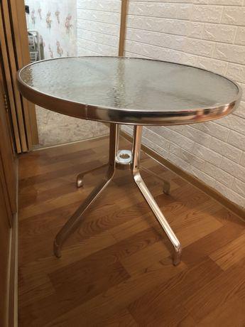 Круглый металический столик (садовый)