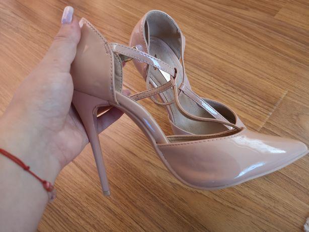 Sandale mărimea 35