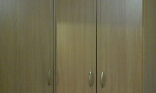 Продам шкаф угловой
