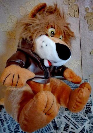 Играчка Лъвче - голям, плюшен с яке
