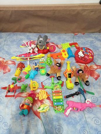 Lot jucării (70)-40 lei
