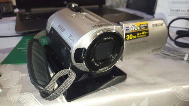 Vând camera video digitala Sony DCR-SR32E