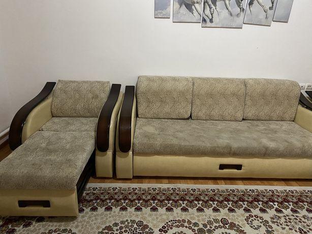 Продается диван и два кресла срочно