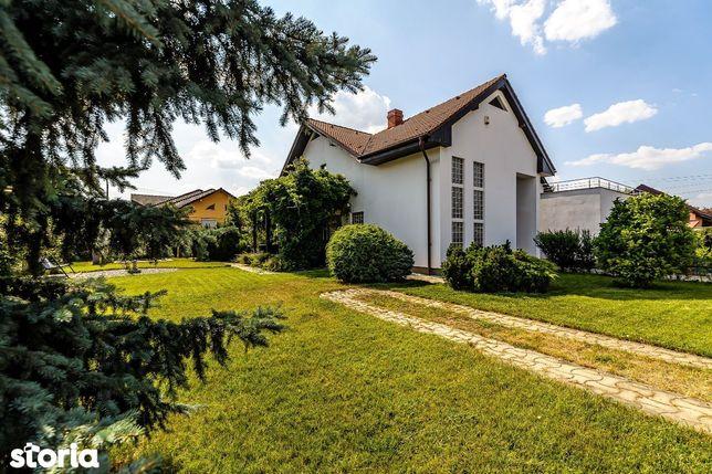 Vila cu arhitectura moderna si note clasice in zona Tabacovici