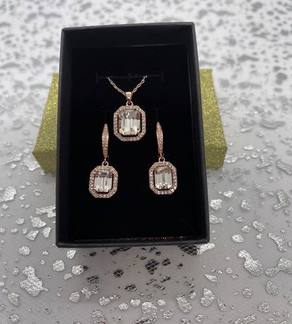 Cercei si pandantiv placate cu aur de 18 k si cristale swarovski