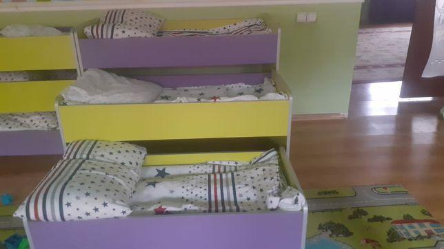 Трехярусная кровать