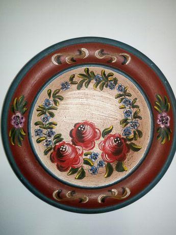 Aplica de lemn pictata  manual  22 cm