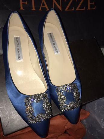 Продам шикарные атласные туфли 38р MANOLO BLAHNIK