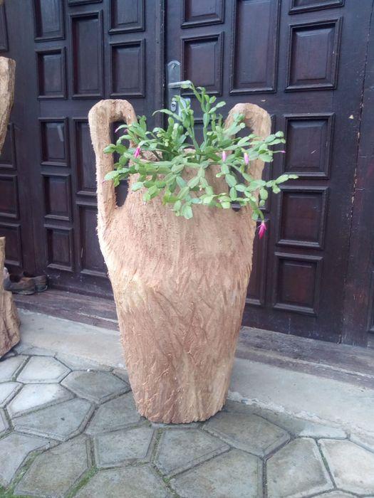Vaza sculptata cu drujba Luncasprie - imagine 1