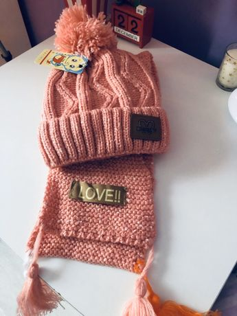 Комплект шапка и шал Moschino