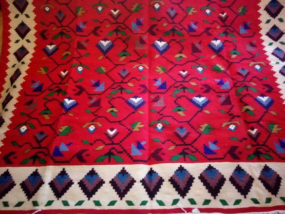 Продавам Чипровски килим