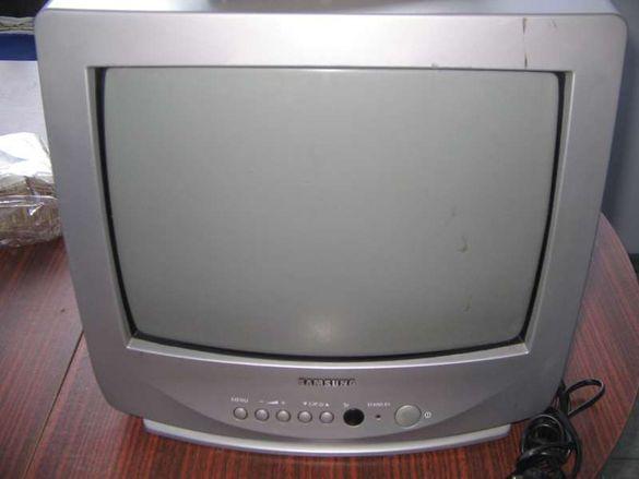 Продавам телевизор Самсунг-14 инча