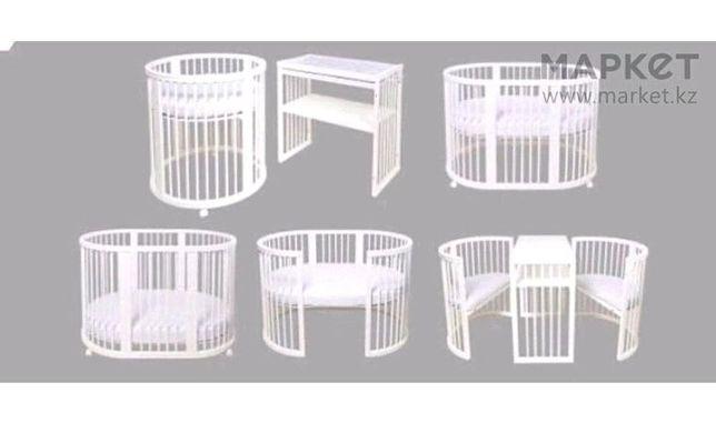 Продаю детскую кровать трансформер, матрас в подарок ,