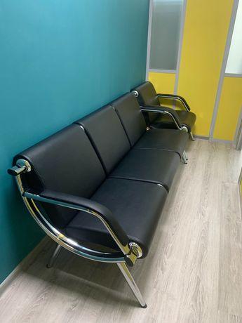 Диван офисный черный со стулом