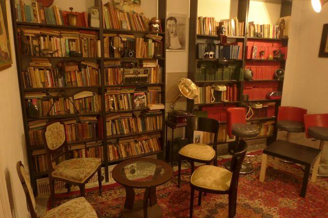 Infiintez biblioteci carti limba romana franceza engleza germana rusa