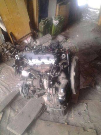 Продаю на Mersedes Benz спринтер двигатель 651 по запчастям