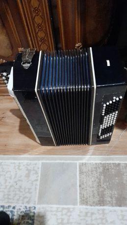 Баян.продам музыкальный инструмент