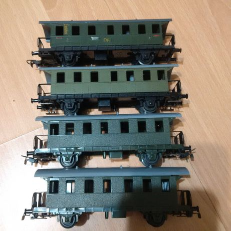 Lot 4 de 4 vagoane calatori PIKO - Germany - scara H0 - Diorama
