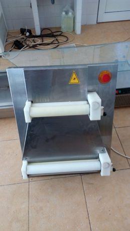 1.Втора употреба Ламинатор разточител за тесто Със два вала горния ва