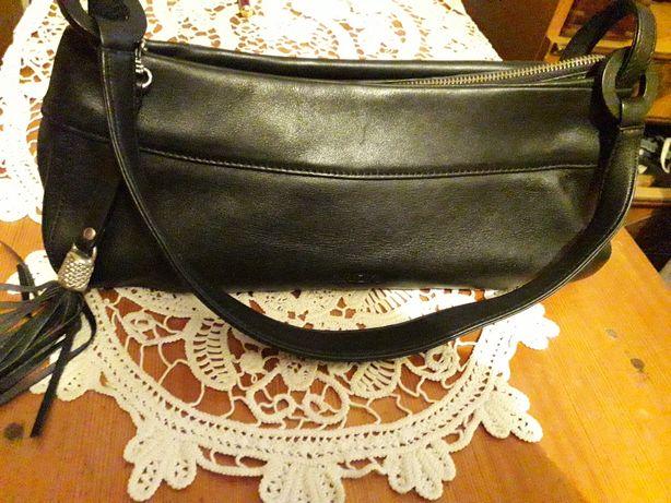 Vînd geanta piele, damă originală Italiană firma krizia, 200 lei.