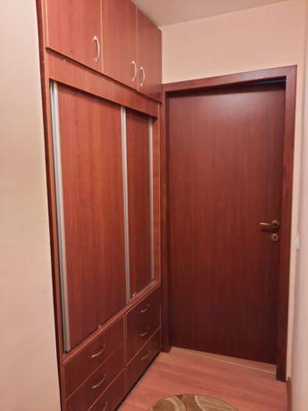 Vand apartamento cu 4 camere, zona centrala.