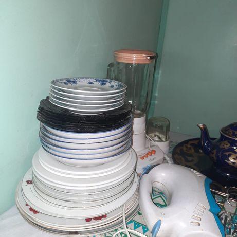 Тарелки, пасуды.