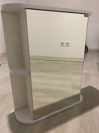 Продам шкаф-зеркало