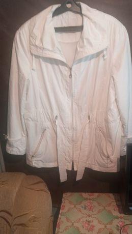 Продам  куртку - ветровка.