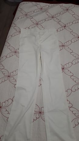 Pantalon usor evazat S nou