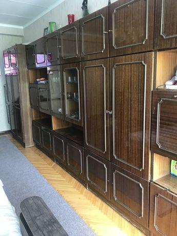 Очень срочно продам мебельную стенку (гарнитур) для зала