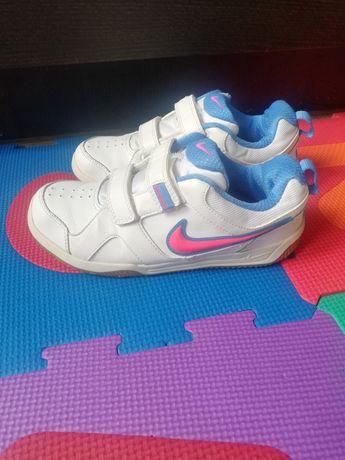 Adidași Nike, mărimea 35