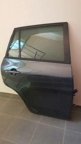 Врата Toyota Raw 4